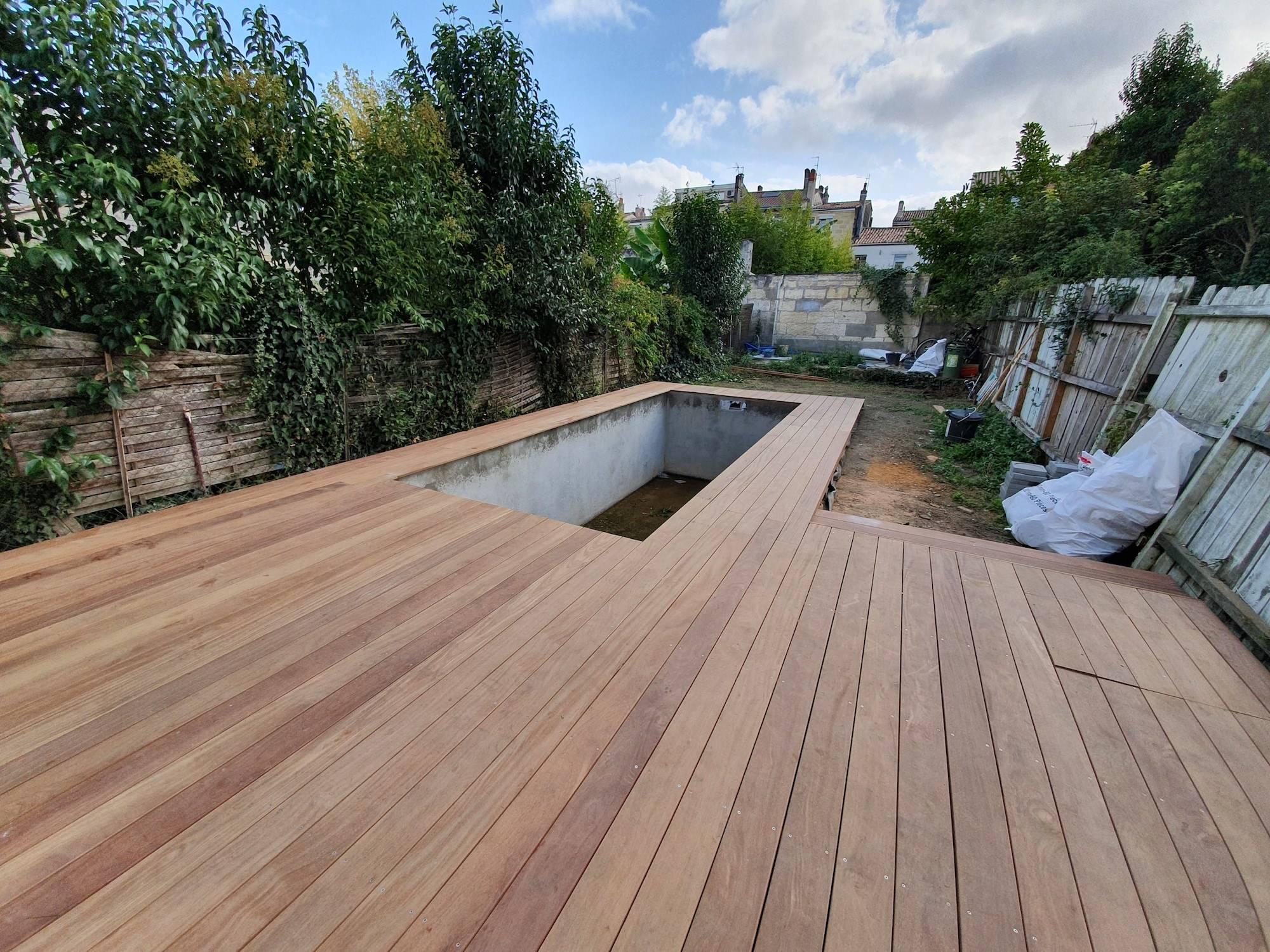 Pose De Terrasse En Bois Exotique Cumaru à Bordeaux
